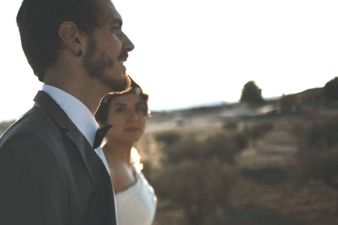 revelado pelicula novia novio bosque montaña luz boda reportaje editorial flores carretera (Demo)
