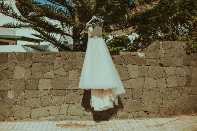wedding photography, sesion de pareja, reportaje pareja diferente, reportaje creativo, fotografo de boda, Lanzarote, montaña, volcán, amor (Demo)